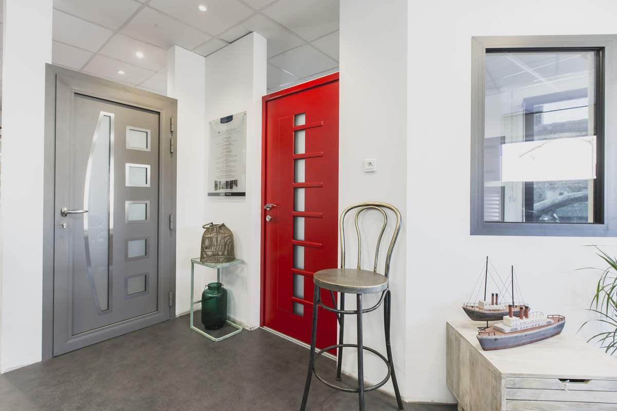 porte d 39 entr e r novation portes d 39 entr e devis gratuit. Black Bedroom Furniture Sets. Home Design Ideas